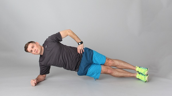 tap-plank-dung-cach-cho-nam-co-bung-6-mui-sau-30-ngay