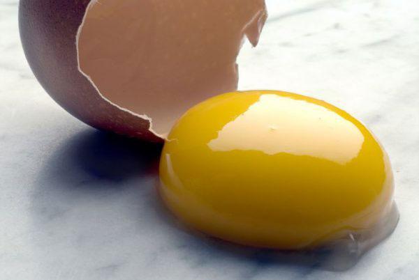Lòng đò trứng gà nhiều dinh dưỡng giúp da bạn được bổ sung thêm chất