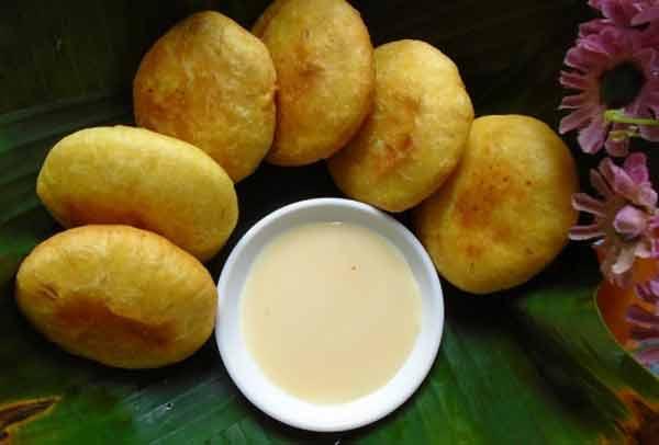 Bánh khoai lang nhân đậu đỏ món ăn khá mới lạ và có hương vị hấp dẫn
