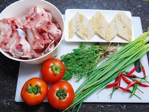 Chuẩn bị những nguyên liệu cần thiết cho món bún chả cá