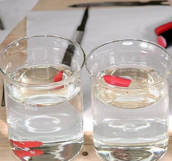 cách kiểm tra son chứa chất cấm