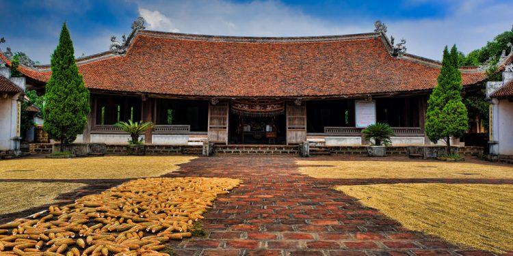 Những công trình kiến trúc thường gặp tại làng cổ Đường Lâm (Ảnh sưu tầm)