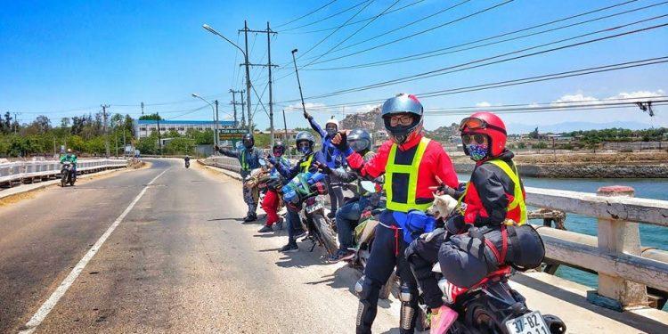 Xe máy là phương tiện gần như duy nhất để đi được vào Lùng Cúng (Ảnh sưu tầm)