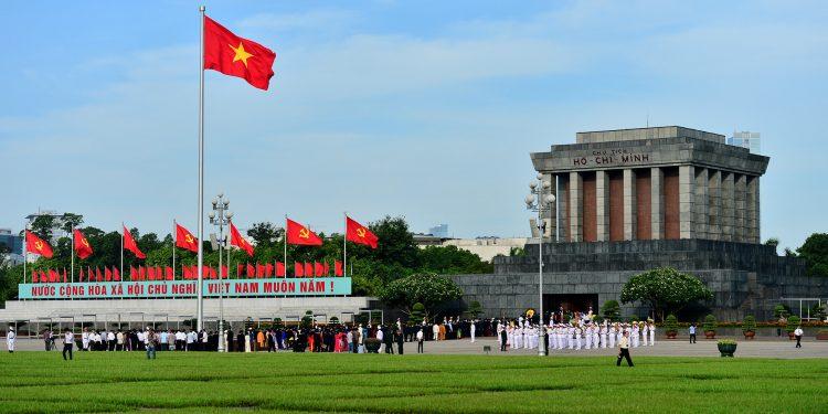 Hướng Lăng Bác nhìn thẳng ra quảng trường Ba Đình (Ảnh sưu tầm)