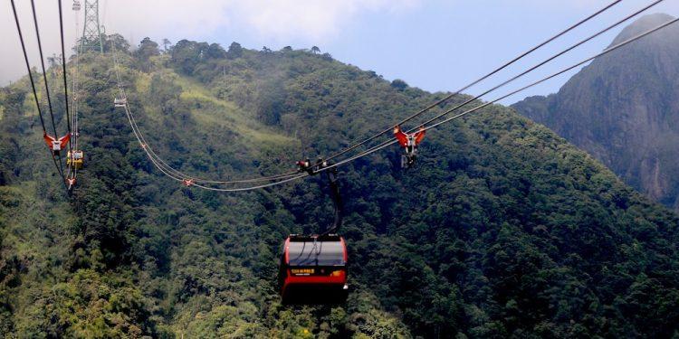 Cáp treo leo núi tại khu Hoàng Liên Sơn (ảnh sưu tầm)
