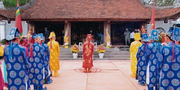 Lễ hội Tản Viên Sơn Thánh tại Ba Vì (Ảnh sưu tầm)