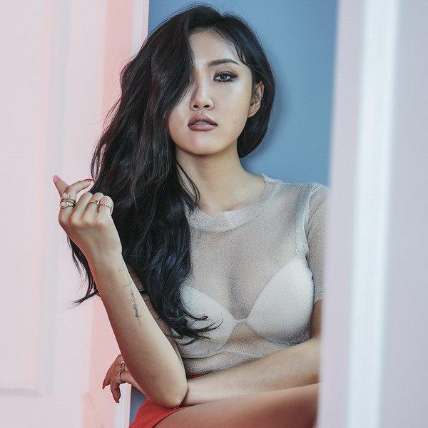 Top 10 sao nữ trẻ đẹp, giàu có nhất Kbiz2