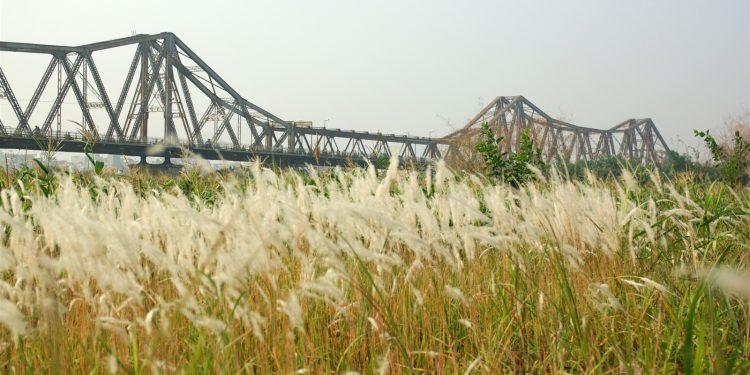 Cầu Long Biên những ngày Đông rét buốt (Ảnh sưu tầm)