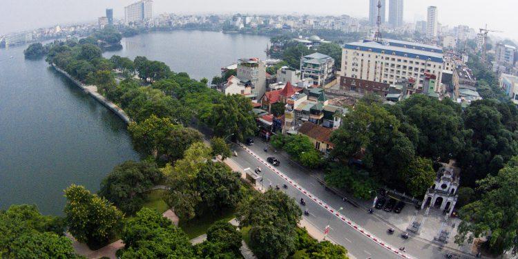 Cung đường Thanh Niên – Hồ Tây là con đường xanh, đẹp nhất Hà Nội (Ảnh sưu tầm)