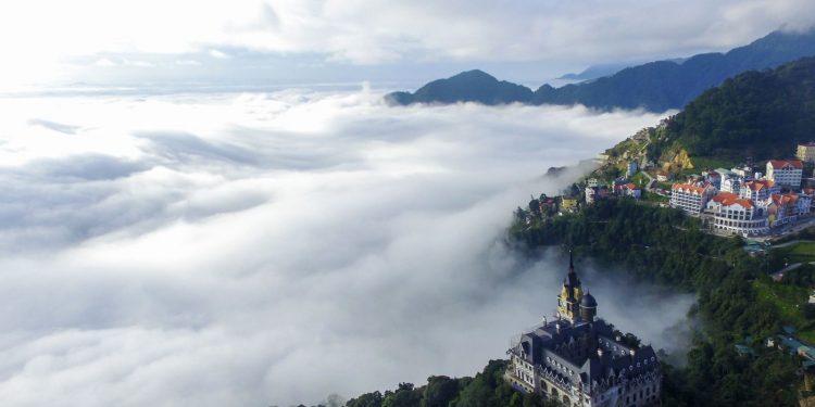 Tam đảo chờn vờn trong sương sớm (Ảnh sưu tầm)