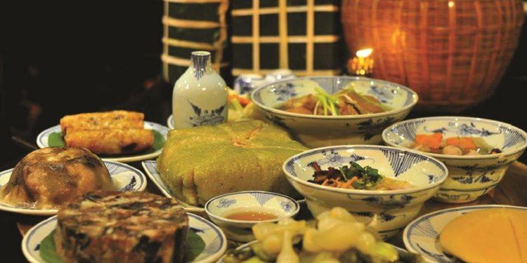 Mâm cỗ đầy đủ những món ngon truyền thống của người Hà Nội (Ảnh sưu tầm)
