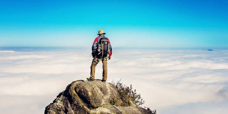 Đoạn đường lên đỉnh Bạch Mộc Lương Tử phải đi qua Núi Muối (Ảnh sưu tầm)
