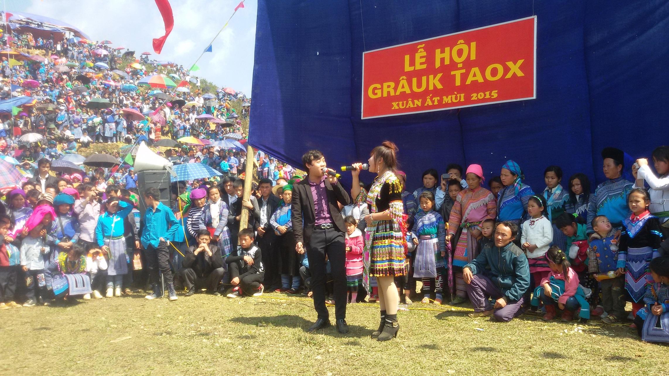 Những hoạt động vui chơi suốt 3 ngày tại lễ hội Gầu Tào (Ảnh sưu tầm)