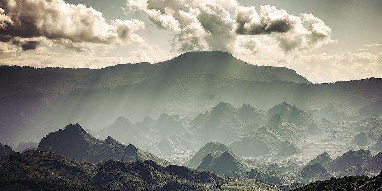 Núi Tả Liên 1