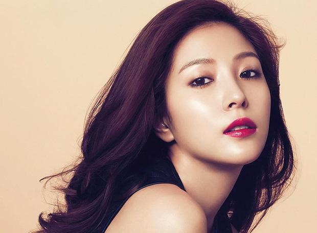 Top 9 idol đại gia bất động giàu nhất Kpop