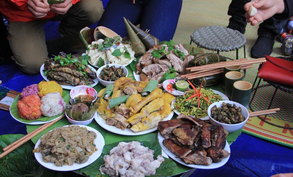 Đàn ông dân tộc Mông sẽ đảm nhiệm việc bếp núc 3 ngày Tết (Ảnh sưu tầm)