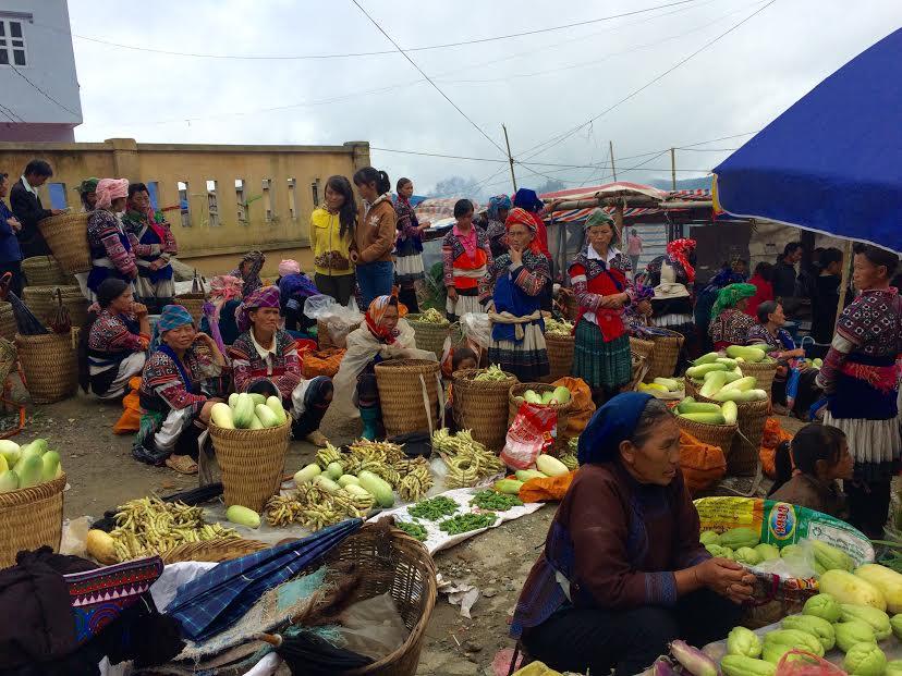 Phiên chợ vùng cao 23