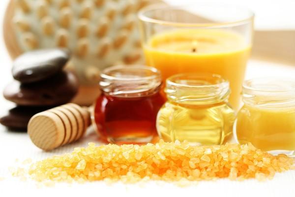 Tẩy da chết bằng mật ong 1