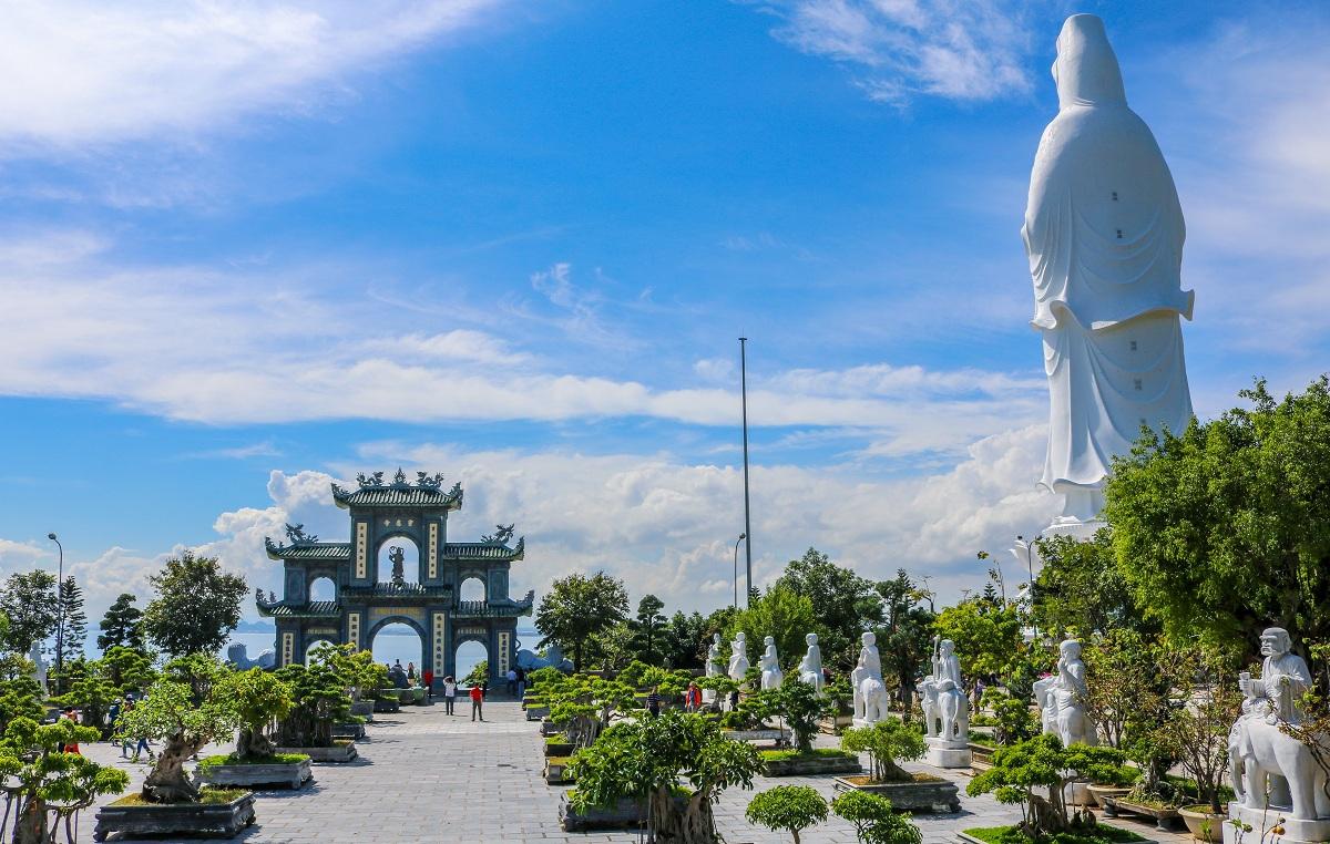 Chùa Linh Ứng là địa điểm du lịch nổi tiếng của Đà Nẵng (Ảnh sưu tầm)