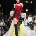 Tân Hoa hậu Lương Thùy Linh gây ấn tượng mạnh với thần thái đỉnh cao, khả năng catwalk cuốn hút sau 1 tháng đăng quang