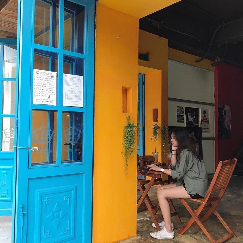 21+ quán Cafe Sài Gòn đẹp không góc chết, đồ uống ngon, check in mỏi tay 13