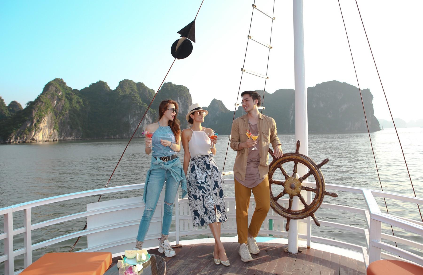 Kinh nghiệm du lịch bằng du thuyền và Top những du thuyền đẹp nhất tại Hạ Long