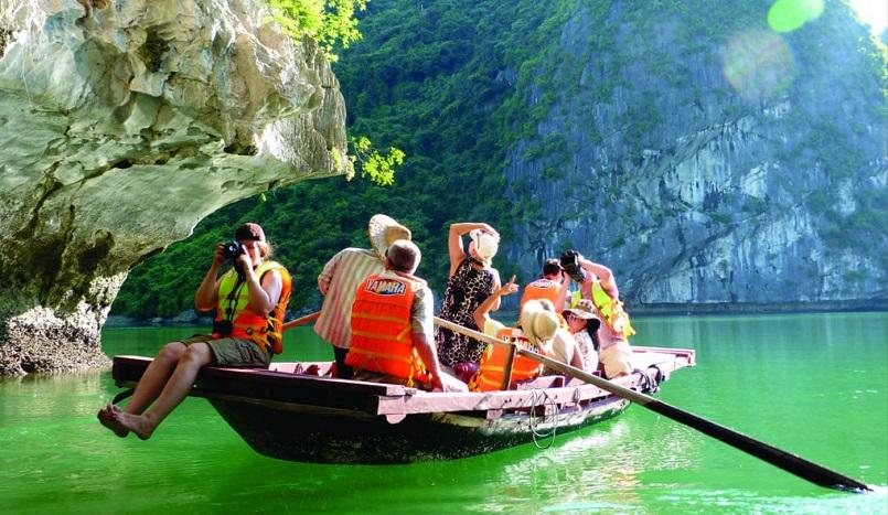 Kinh nghiệm du lịch Hạ Long chinh phục kỳ quan thiên nhiên thế giới mới 1