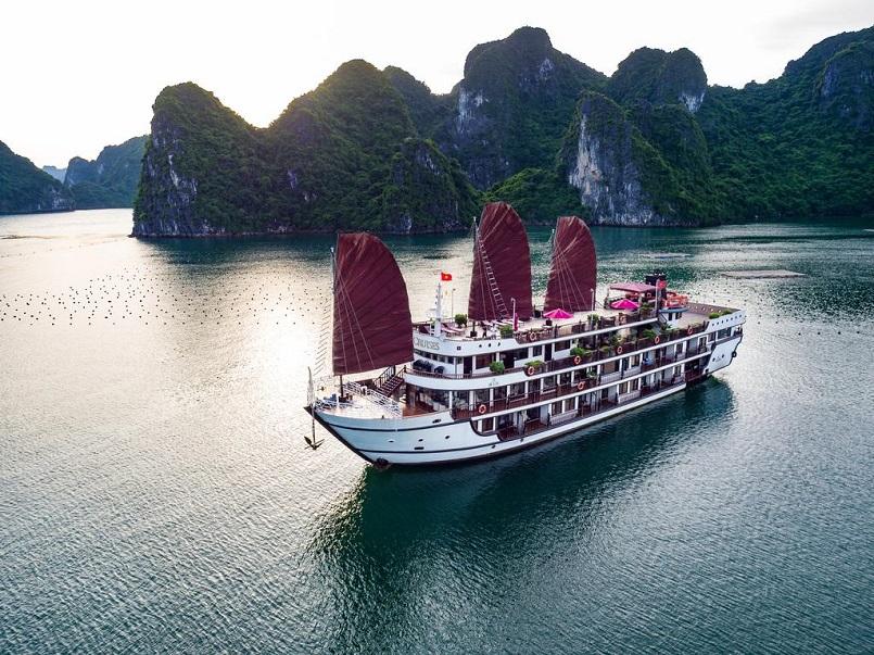 Kinh nghiệm du lịch bằng du thuyền và Top những du thuyền đẹp nhất tại Hạ Long 25