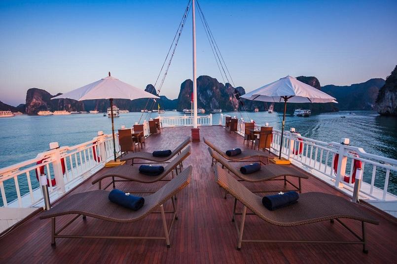 Kinh nghiệm du lịch bằng du thuyền và Top những du thuyền đẹp nhất tại Hạ Long 29