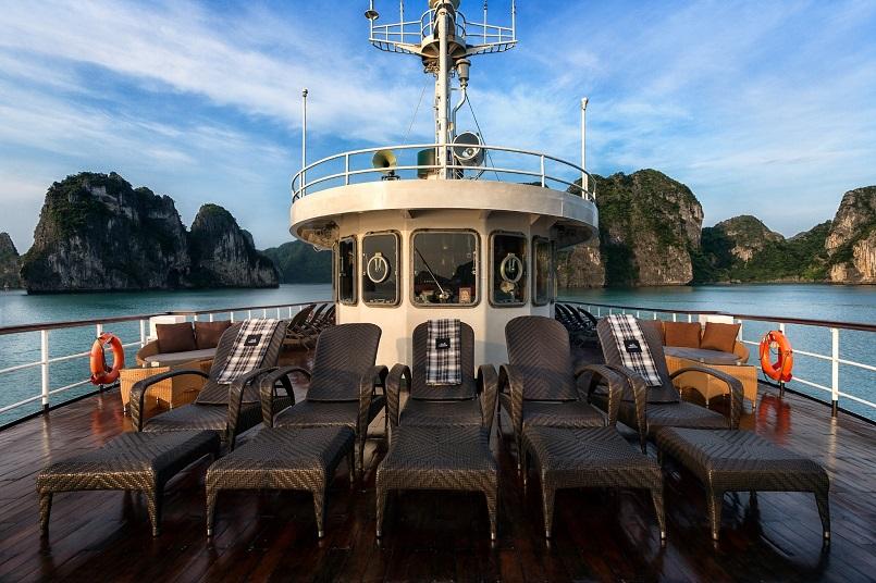 Kinh nghiệm du lịch bằng du thuyền và Top những du thuyền đẹp nhất tại Hạ Long 11