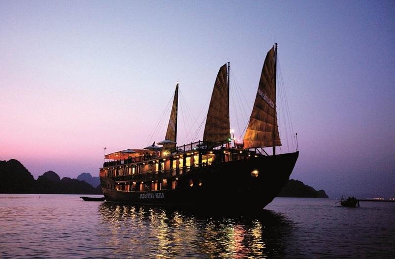 Kinh nghiệm du lịch bằng du thuyền và Top những du thuyền đẹp nhất tại Hạ Long 34