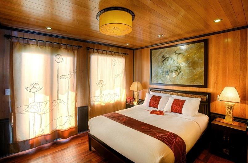 Kinh nghiệm du lịch bằng du thuyền và Top những du thuyền đẹp nhất tại Hạ Long 35