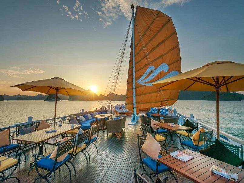 Kinh nghiệm du lịch bằng du thuyền và Top những du thuyền đẹp nhất tại Hạ Long 14