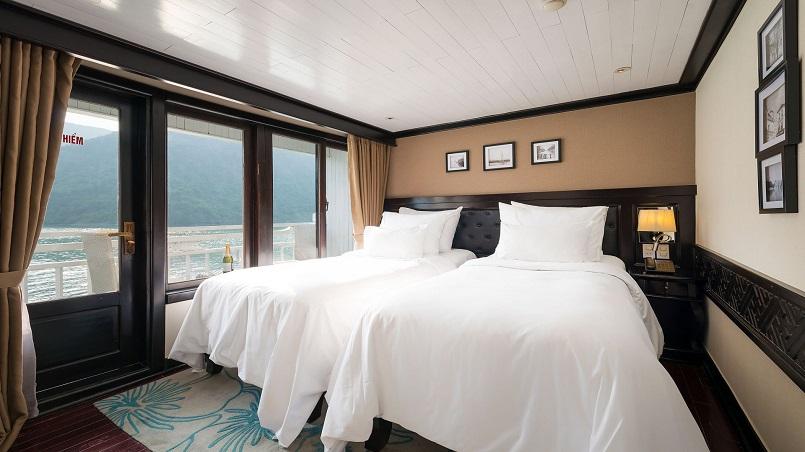 Kinh nghiệm du lịch bằng du thuyền và Top những du thuyền đẹp nhất tại Hạ Long 15
