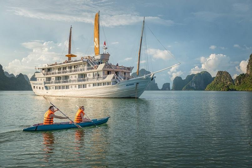 Kinh nghiệm du lịch bằng du thuyền và Top những du thuyền đẹp nhất tại Hạ Long 13
