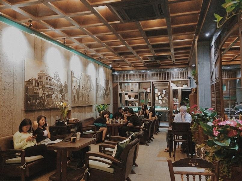 21+ quán Cafe Sài Gòn đẹp không góc chết, đồ uống ngon, check in mỏi tay 2