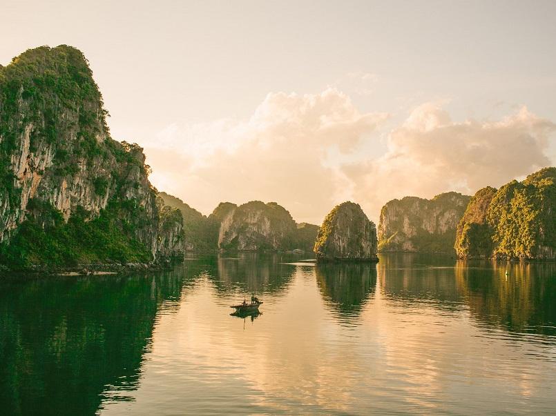 Kinh nghiệm du lịch Hạ Long chinh phục kỳ quan thiên nhiên thế giới mới 7