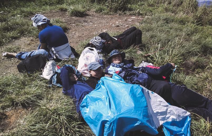 Trekking Langbiang - Thử sức chuyến leo núi săn mây cực đã cùng Celeb 7