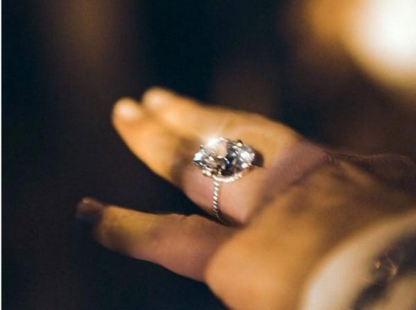 15 món quà siêu lãng mạn và đắt đỏ ông xã tặng Kim 6