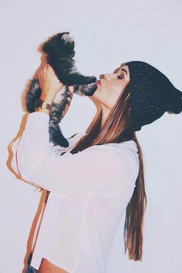 Vì sao nên yêu một cô gái thích mèo? 5