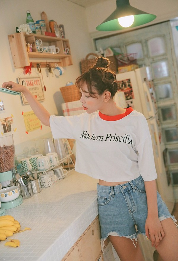 5 loại áo phông bạn gái nên thêm ngay vào tủ đồ 13