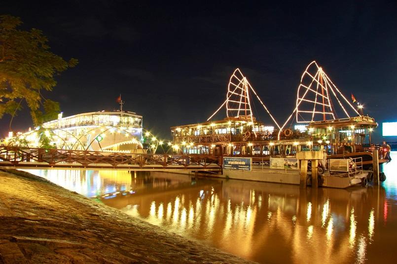Điểm danh các địa điểm vui chơi Sài Gòn về đêm không đi sẽ hối hận 19