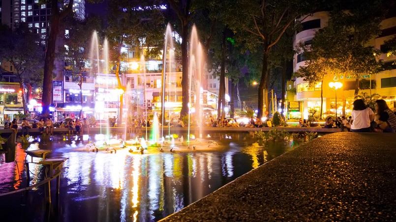 Điểm danh các địa điểm vui chơi Sài Gòn về đêm không đi sẽ hối hận 11