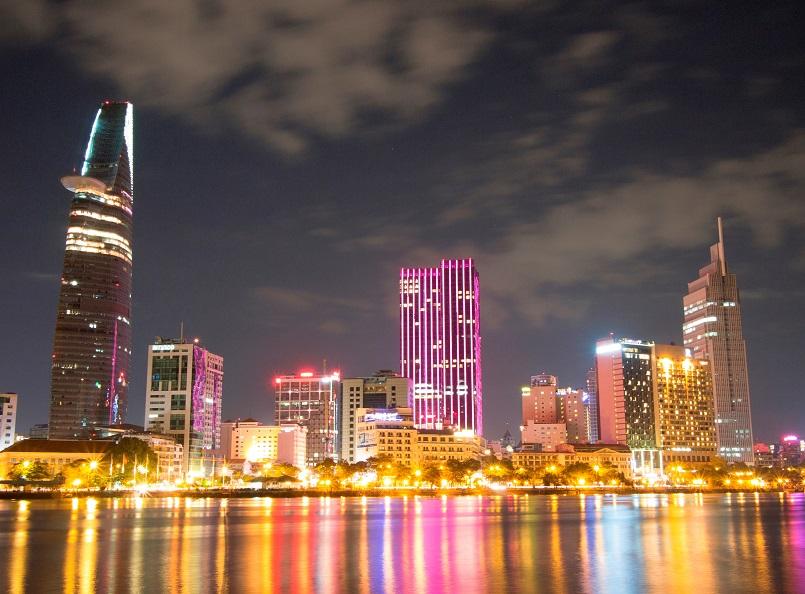 Điểm danh các địa điểm vui chơi Sài Gòn về đêm không đi sẽ hối hận 1