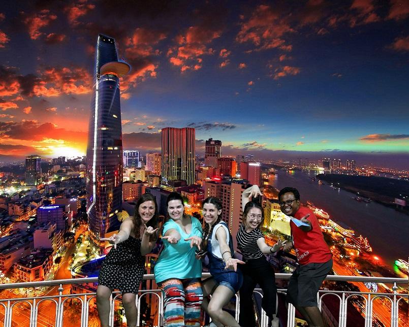Điểm danh các địa điểm vui chơi Sài Gòn về đêm không đi sẽ hối hận 5