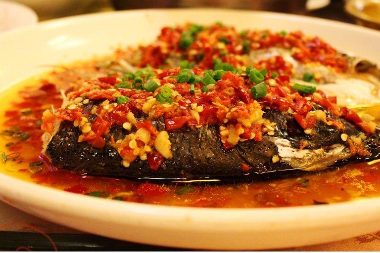 Món đầu cá hấp ngâm ớt