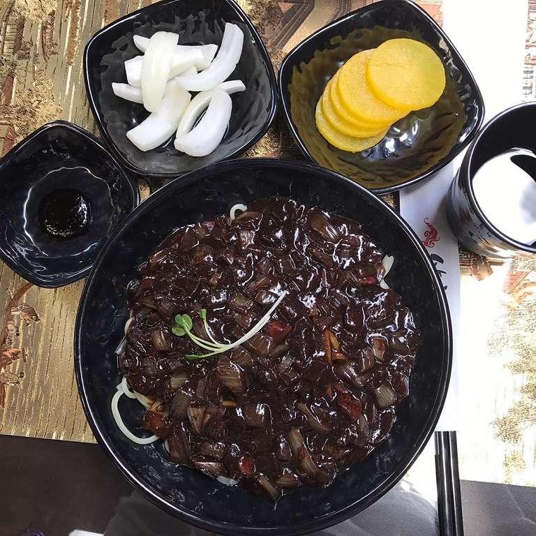 Mì đen - Món ăn Hàn Quốc