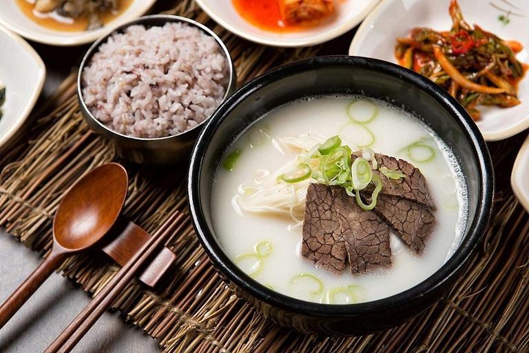 Seolleongtang - Ẩm thực Hàn Quốc
