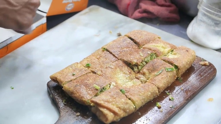 Đến Singapore nên ăn gì - Bánh Murtabak