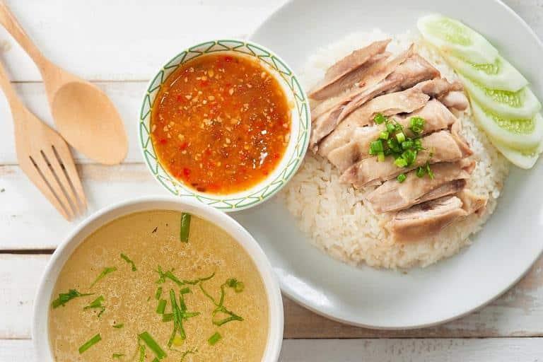 Đến Singapore nên ăn gì - Cơm gà Hải Nam